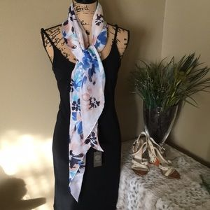 VINCE CAMUTO SCARF 🌸